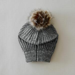 bonnet chaud gris pompon